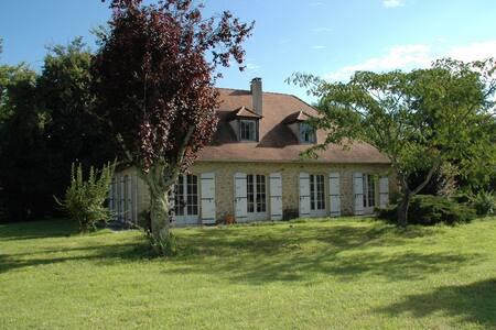 La Source, maison périgourdine en bord de Dordogne - Eynesse - Talo