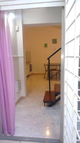 DEPARTAMENTO INTERNO/TRANQUILO/TODOS LOS SERVICIOS - Rosario - Apartemen