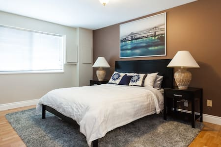 2 bedroom lower suite in a centralized location - Delta