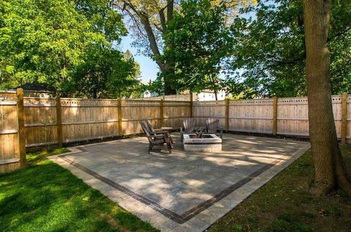 Refreshing new home - East Side - Providence - Maison