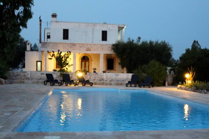 Real Apulian experience in masseria with pool - Noci - บ้าน