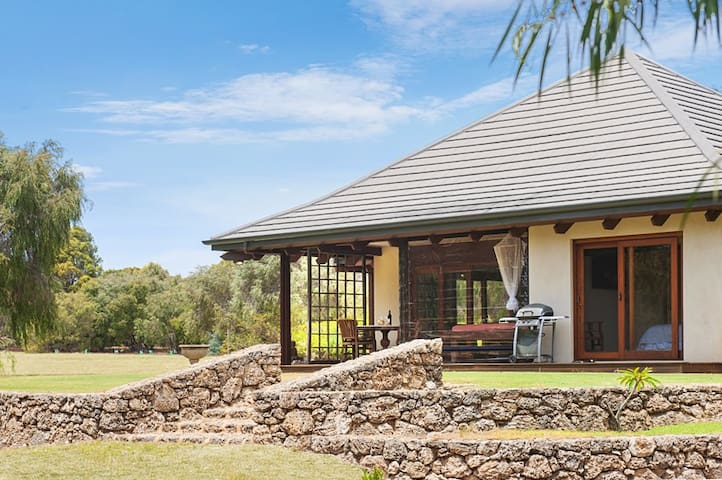 NEW LISTING --  Yallingup Retreat - Yallingup - House