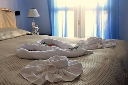 Inverno Romantico in Suite - San Vincenzo - Bed & Breakfast