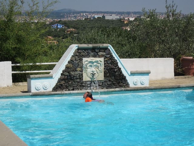 "Villa ""casadellameridiana"": air c., pool and view - Sassari"