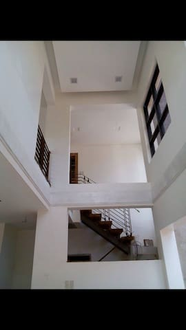 Spacious room w/attic for rent! - Los Baños - Bed & Breakfast