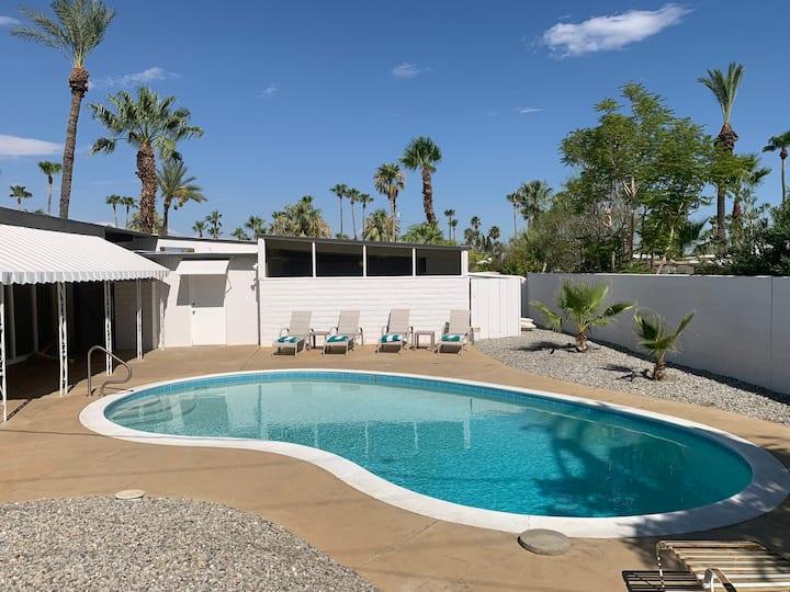 Mid Modern - 1958 Meiselman Home Palm Springs
