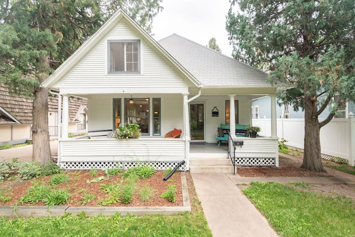 Sunny Farmhouse Charm in Old Town Longmont