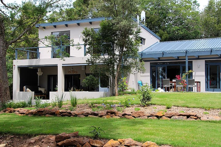 Stylish B&B within 34H of Forest - Knysna - Bed & Breakfast