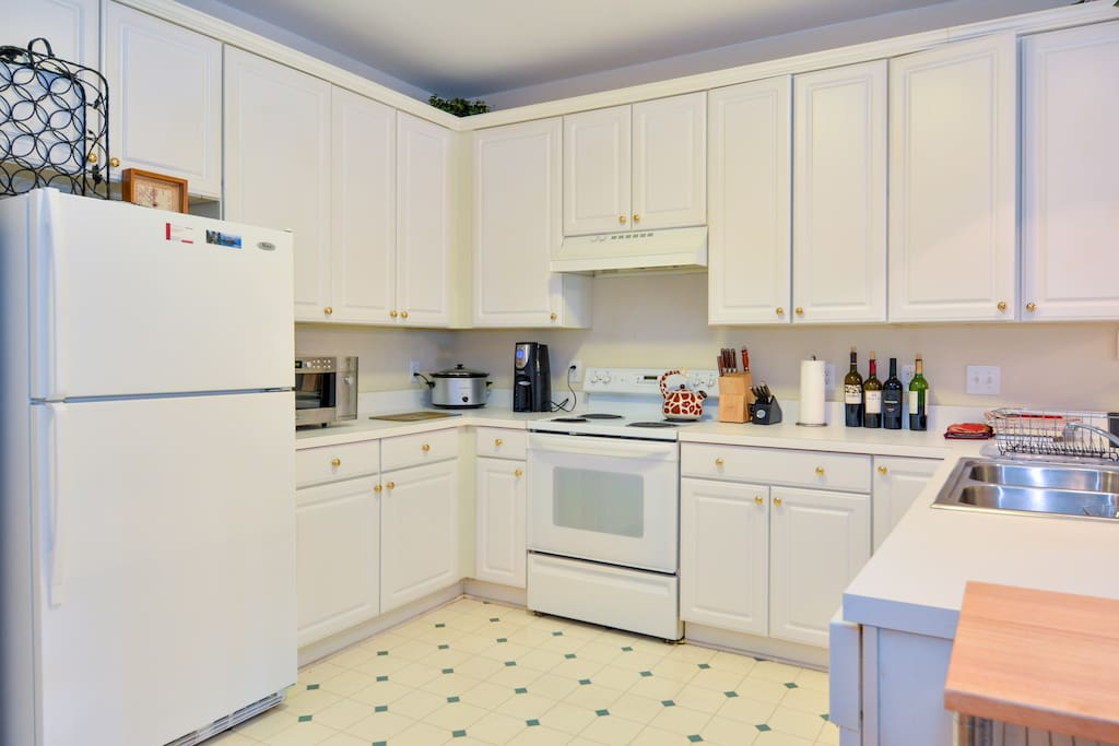 Fully equipped kitchen if you like to cook.