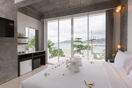 Superior Double Room with Sea View  - Patong - Bed & Breakfast