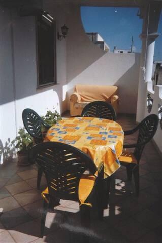 appartamento calmo a 30 m del corso - Manduria - Lakás