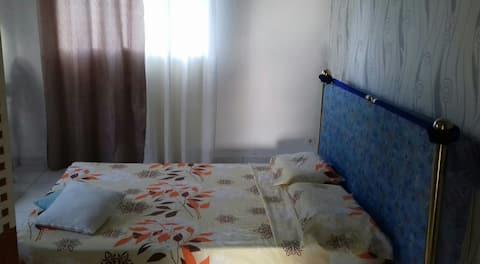 chambre dans bas de villa  proche aéroport