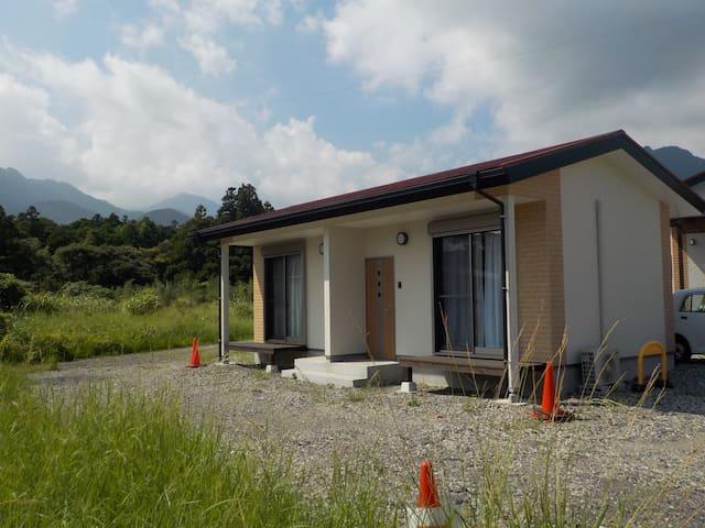 コテージ くつろき E  ( Cottage Kutsuroki E )