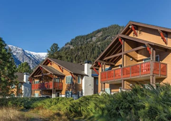 Luxury Worldmark Leavenworth condo at great price!