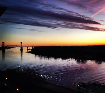 o Downtown Wilmington Waterfront o - 威明顿