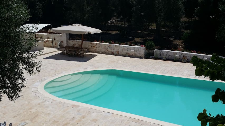 Delizioso trullo con piscina  - Chiobbica
