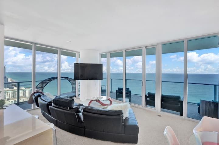 GORGEOUS PANORAMIC  OCEAN FRONT IN HYDE RESIDENCES