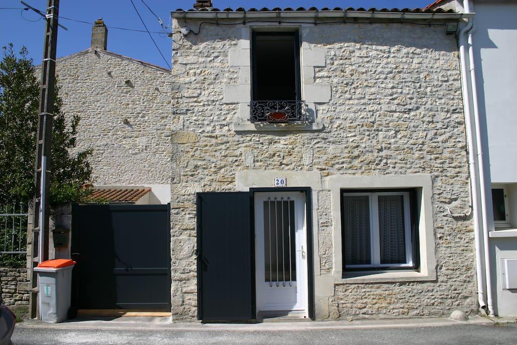 Maison de pays 70m centre village houses for rent in - Garage anatole france villeneuve saint georges ...