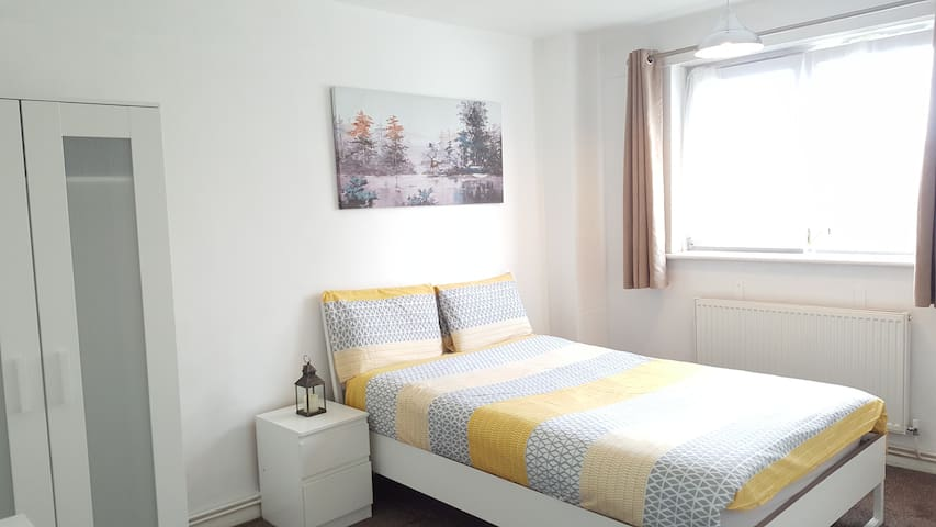(SH3) Lovely & Bright  Double in London Zone 2
