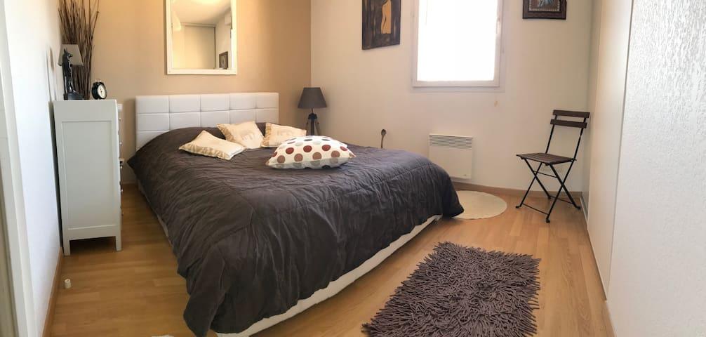 Maison chaleureuse et cosy avec chambre privée