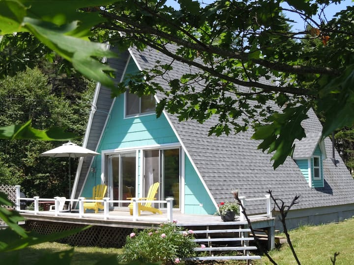 Second Wind Ocean Cottage on Mahone Bay