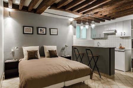 GREAT STUDIO IN MARAIS - Paris - Wohnung