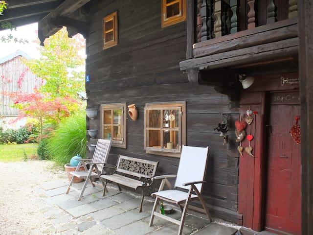 Bauernhaus Bayerischer Wald. Anno 1740.