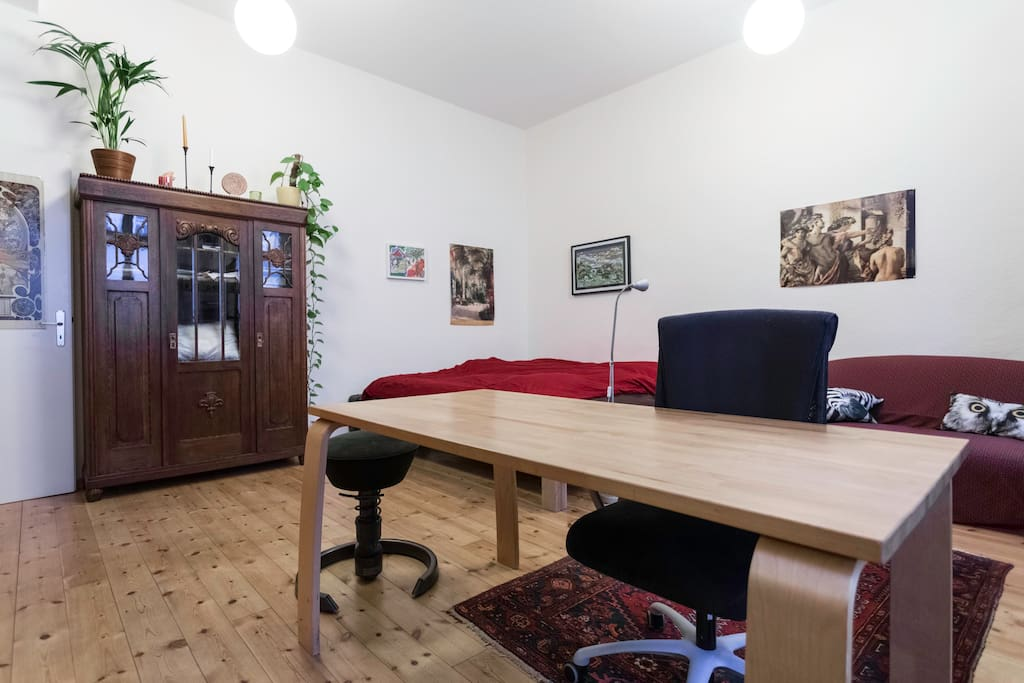 4 chairs in the flat