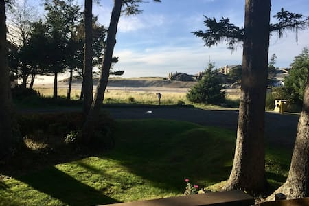 Maloney's Cannon Beach View Home - Cannon Beach - Casa