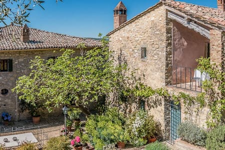 Charming home in Umbrian hills - Monte Corona