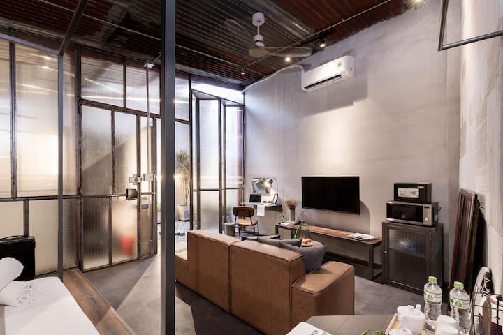 A spacious studio: 50 sqm