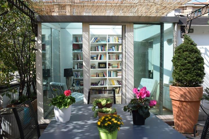 Design Top roof Secret Garden Fashion free parking