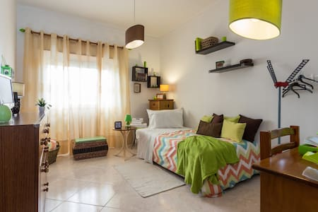 NICE ROOM FOR HOLIDAYS - Faro