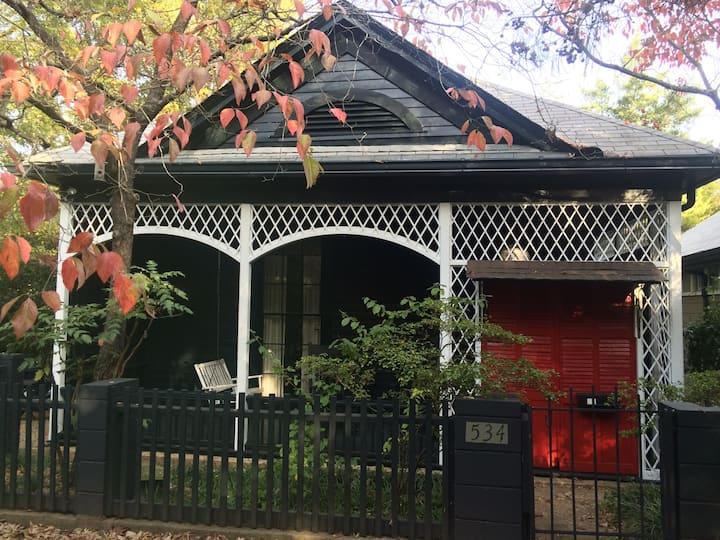 Downtown Garden Cottage