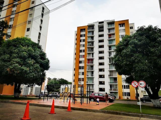 Comparto mi lindo apartamento! Barrio Guaimaral