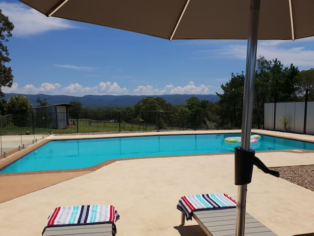 Kurrajong Retreat. Beautiful views, privacy