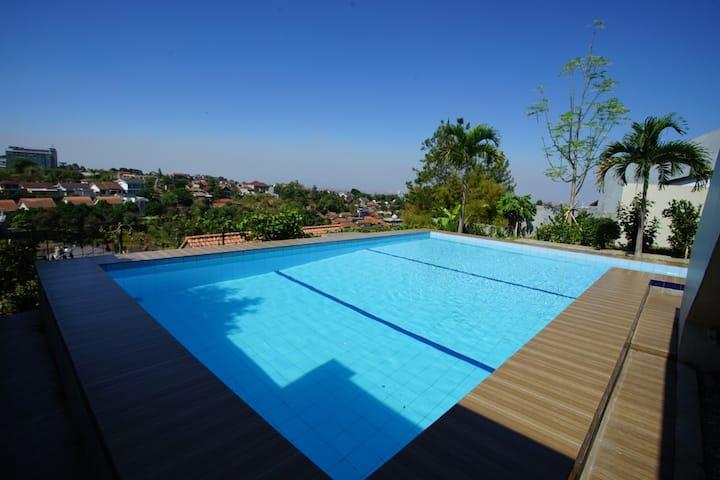 3 BR Villa Dago Pakar 93 + Private Swimming Pool