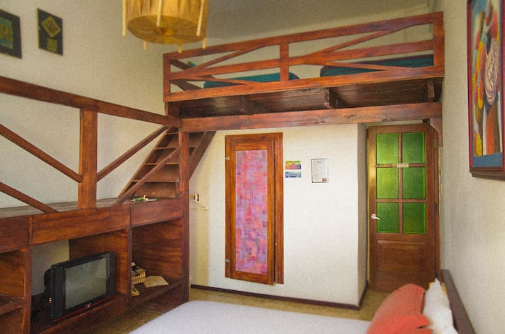 Private room in Guayaquil´s Malecon - Guayaquil - Bed & Breakfast