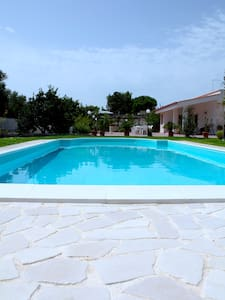 amazing chalet with swimming pool - Leporano marina