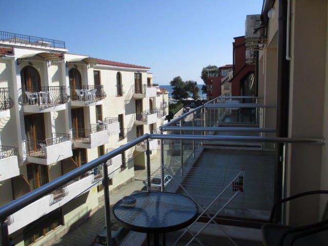 Balcony sea view Вид на море с балкона