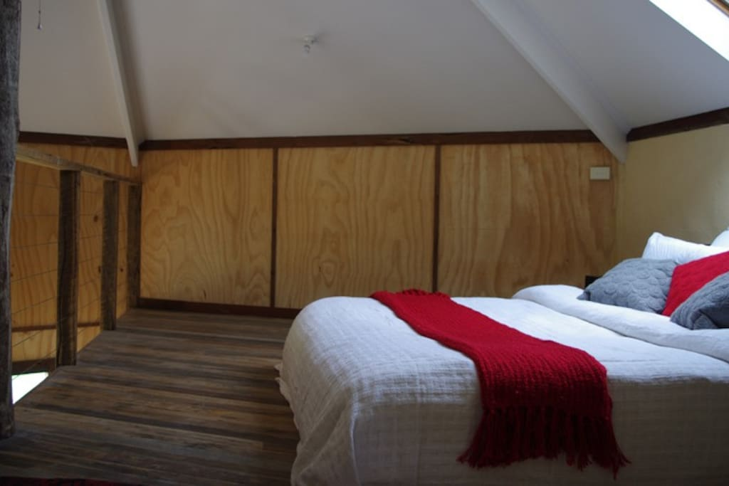 Sleep in the loft bedroom gazing at the stars