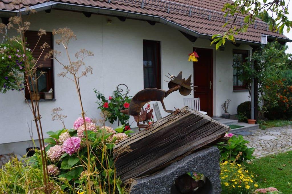 Blick vom Garten auf die Ferienwohnung