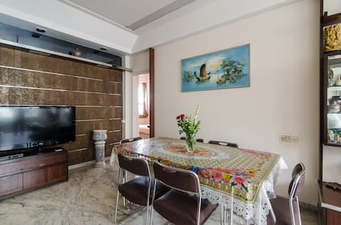 Comfy Room & En-suite Bathroom - Malabar Hill
