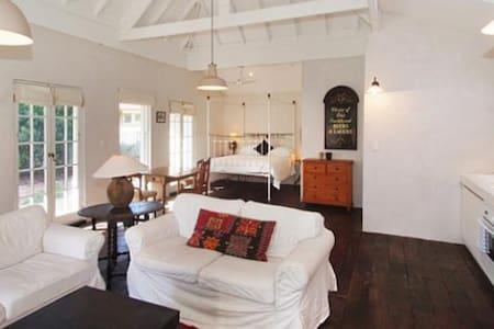 Prospect Villa cottage  - Alpstuga