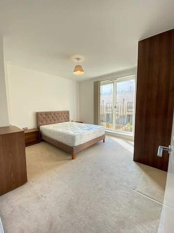 Double room In East Village, Stratford