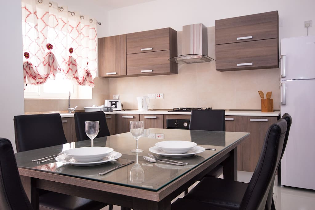 Sunny & Bright and spacious kitchen / living with balcony.