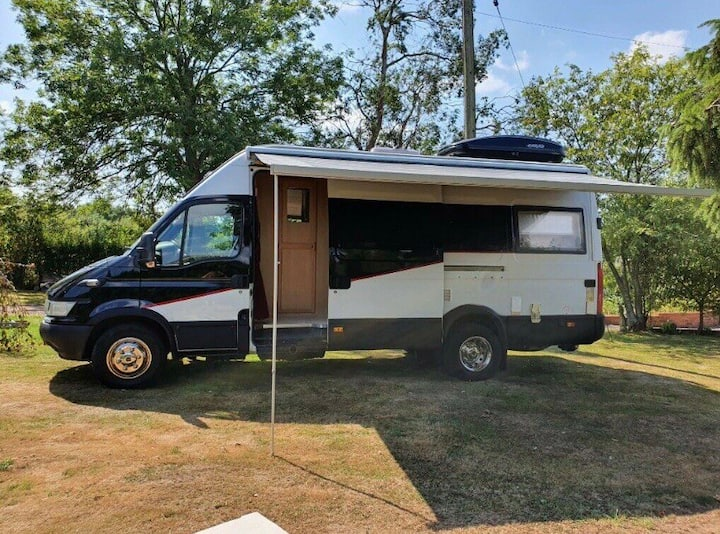Cosy campervan stay in the heart of Bromley