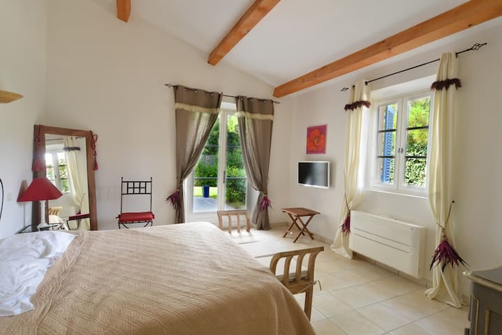 2 eme master bedroom (4 eme bedroom)