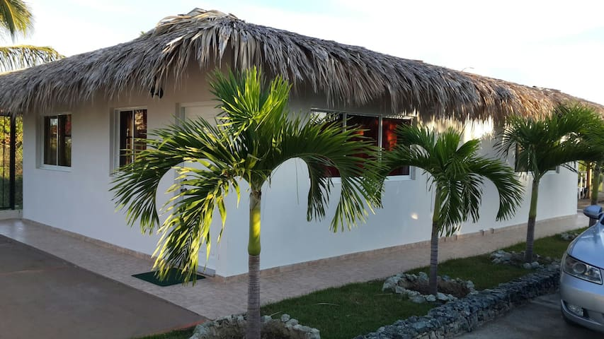 Villa doble vistas golf. Playa 1min - costambar - Lägenhet