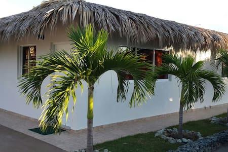 Villa doble vistas golf. Playa 1min - costambar - Daire